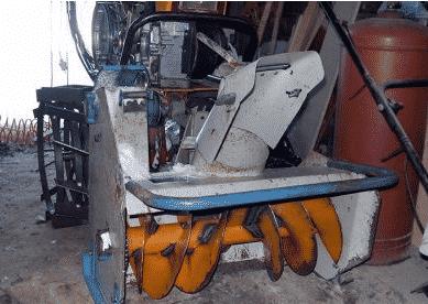 Шнековый снегоуборщик на мотоблок