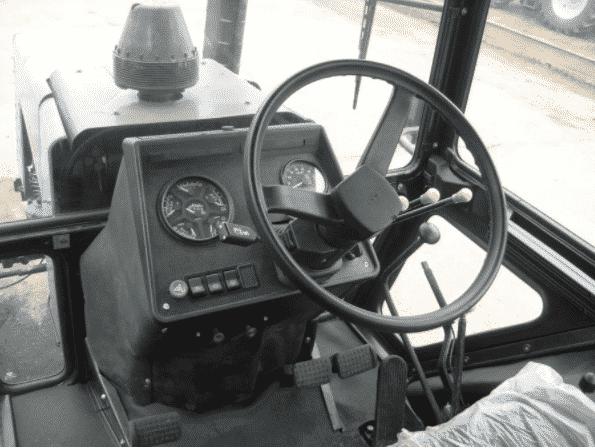 Органы управления трактора Беларус 1221