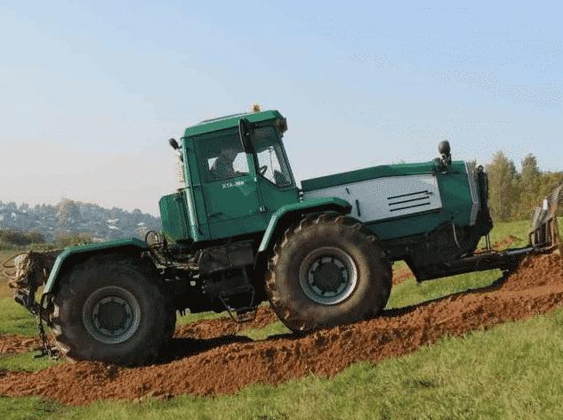 Трактор ХТА 208