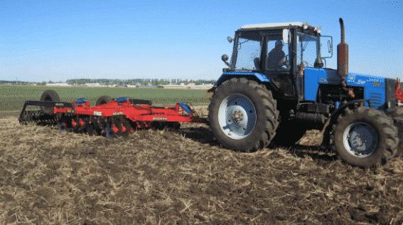 Трактор МТЗ 1221 – технические характеристик