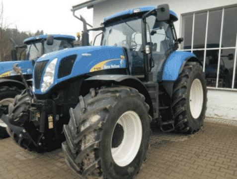 Трактор New Holland T-7050