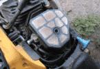 Бензопила не держит холостые обороты