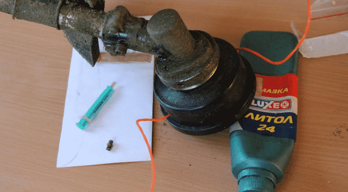 Смазка для редуктора триммера